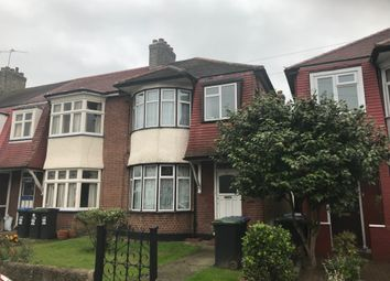 Thumbnail 1 bed flat to rent in Kendal Avenue, London