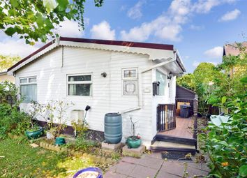 Crays Hill, Billericay, Essex CM11. 1 bed mobile/park home