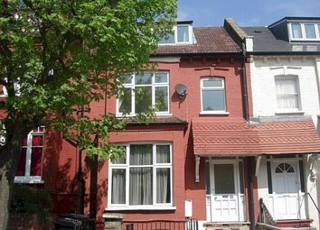 3 bed flat to rent in Cavendish Road, London N4