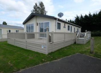 3 bed mobile/park home for sale in Saxon Walk, Butt Lane, Burgh Castle, Great Yarmouth NR31
