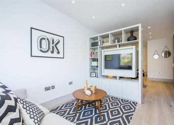 Thumbnail Studio to rent in Abbeville Road, London
