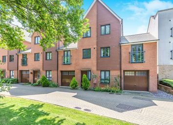 4 bed semi-detached house to rent in Ruskin Grove, Maidstone ME15