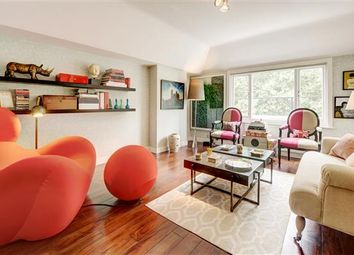 Thumbnail 2 bed flat for sale in Ennismore Gardens, South Kensington