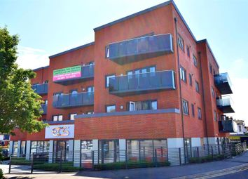 Cranleigh Drive, Leigh-On-Sea SS9. 2 bed flat