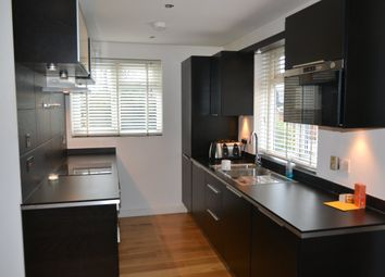 Thumbnail 2 bedroom flat to rent in Swallowdale, Ashen Vale, South Croydon
