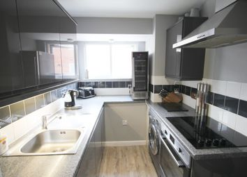 Thumbnail 3 bed flat to rent in Churchfield Road, Chalfont St. Peter, Gerrards Cross
