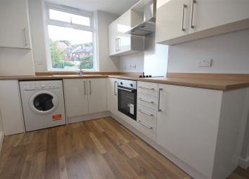 2 bed flat to rent in Chesterfield Road, Woodseats, Sheffield S8