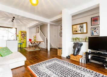 Thumbnail 2 bedroom flat to rent in Farringdon Road, London