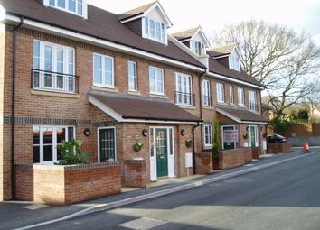 Thumbnail 2 bed flat to rent in Wey Hill, Haslemere