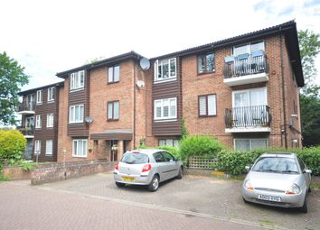 Thumbnail 1 bed flat to rent in Aveling Close, Purley