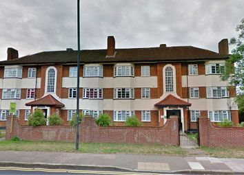 2 bed flat to rent in Kenton Lane, Harrow HA3