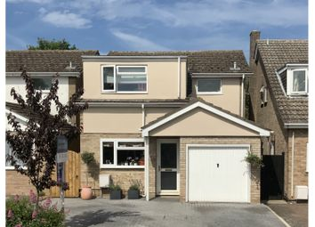 Barry Avenue, Bicester OX26. 4 bed detached house