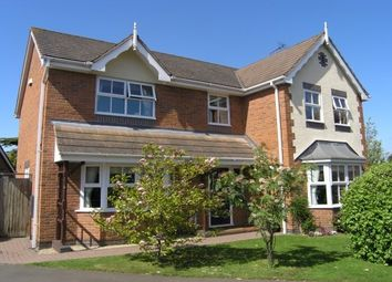 Thumbnail 4 bedroom property to rent in Fairwater Close, Evesham