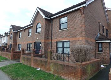 Thumbnail 1 bed flat to rent in Yeading Lane, Hayes