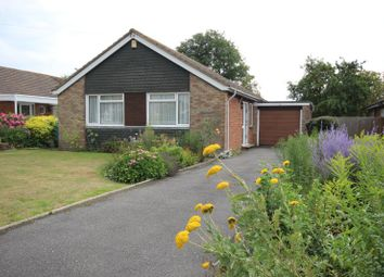 Thumbnail 2 bed bungalow to rent in Hawthorn Avenue, Thame, Oxfordshire
