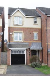 Thumbnail 4 bedroom town house for sale in Crown Drive, Malkins Bank, Sandbach