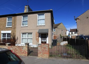 Thumbnail 3 bed flat to rent in Cobden Road, Croydon