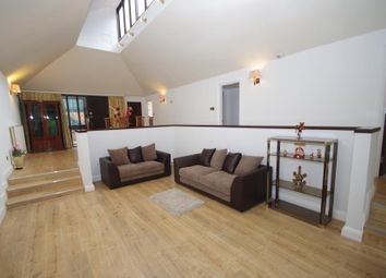 Thumbnail 3 bed property to rent in Bose Close, Finchley