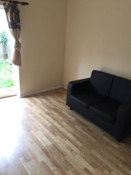 Thumbnail 2 bedroom flat to rent in The Drive, Illford Essex