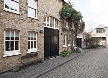 Thumbnail 3 bedroom property to rent in Horsemongers Mews, London