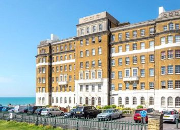 Courtenay Terrace, Hove BN3. 2 bed flat for sale
