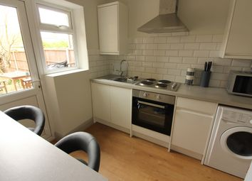 1 bed flat to rent in Molesey Park Road, West Molesey KT8