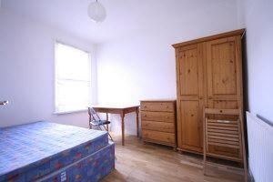 Thumbnail 2 bed flat to rent in Beresford Road, Haringey