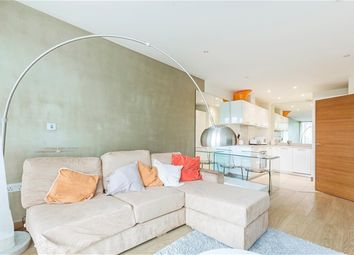 Thumbnail 1 bed flat to rent in SW11