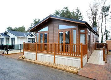 Thumbnail 2 bed mobile/park home for sale in Straightway Head, Whimple, Exeter