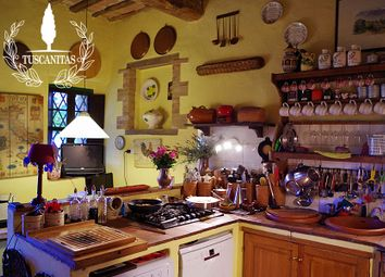 Thumbnail 4 bed country house for sale in Montalcino, Siena, Tuscany, Italy