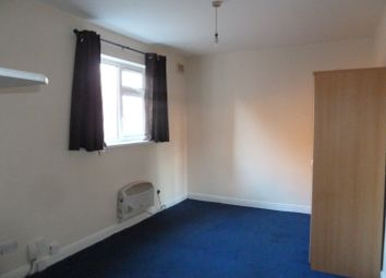 Thumbnail Studio to rent in Duncan Road, Aylestone, Leicester