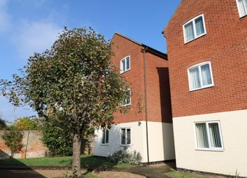 Thumbnail 2 bed flat to rent in Victoria Road, Diss