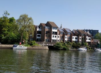 2 bed flat for sale in Colnebridge Close, Staines-Upon-Thames TW18