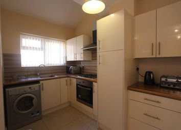 Thumbnail 4 bedroom flat to rent in Abingdon Road, Leicester