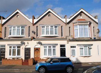 Thumbnail 2 bedroom flat to rent in Westborough Road, Westcliff-On-Sea