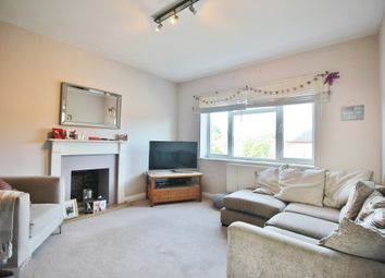 Thumbnail 2 bedroom flat to rent in Manor Court, York Way, Whetstone, London