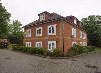 2 bed flat to rent in Windsor Lane, Burnham, Slough SL1