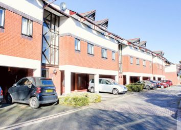 Thumbnail 2 bed flat for sale in Cosgrove Close, Winchmore Hill