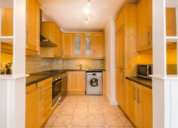 Thumbnail 2 bed flat to rent in Cascades Tower, Canary Wharf