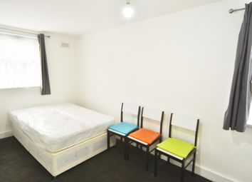 Thumbnail Room to rent in Dunlace Road, London