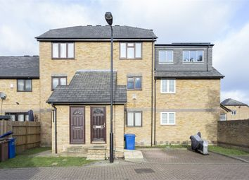 3 bed maisonette to rent in Hull Close, Rotherhithe, London SE16