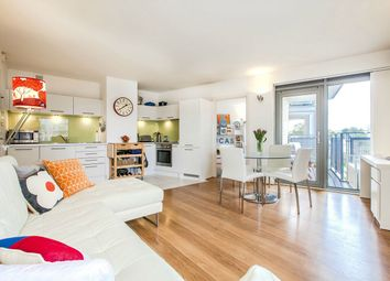 Thumbnail 2 bed flat for sale in Washington Building, Deals Gateway, London