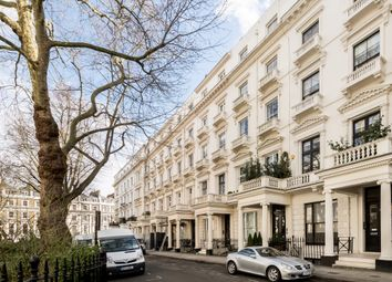 Thumbnail 4 bed flat to rent in Queens Gardens, London