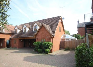 Thumbnail 1 bed cottage to rent in Hutton Road, Shenfield, Brentwood