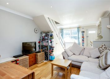 Thumbnail 2 bed maisonette for sale in Earlsfield Road, London