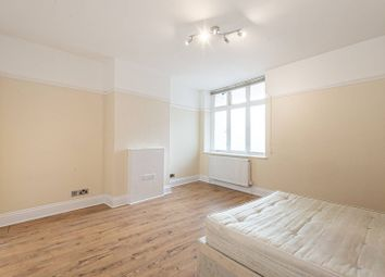 Thumbnail 2 bed flat to rent in Parade Mansions, Hendon, London