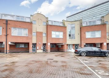 Thumbnail Flat for sale in Barnsbury Lane, Surbiton