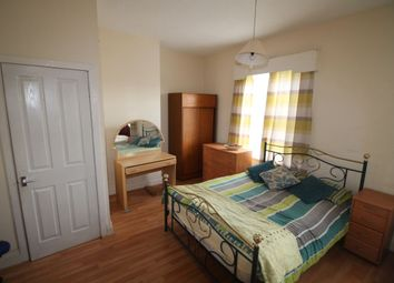 Thumbnail Room to rent in Leeds Road, Huddersfield
