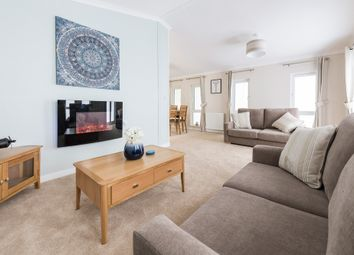 Thumbnail 2 bed mobile/park home for sale in Queensland Park, Hawthorn Hill, Dogdyke, Lincoln