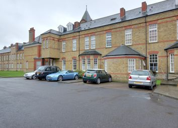 Thumbnail 2 bed flat to rent in Newsholme Drive, Winchmore Hill